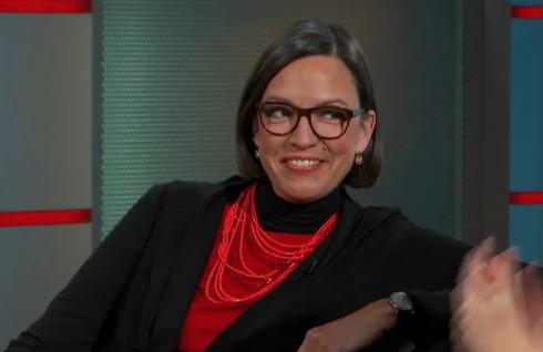 Esther-Mirjam de Boer bei einem Interview