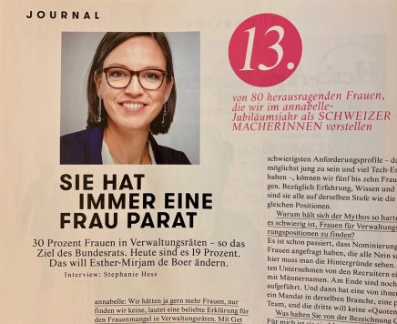Esther-Mirjam de Boer in einem Journal